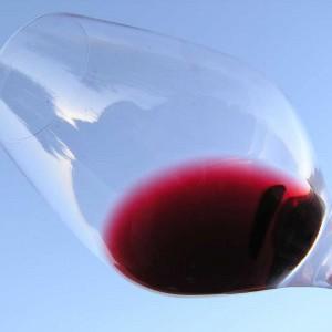 imagen de la capa del vino tinto