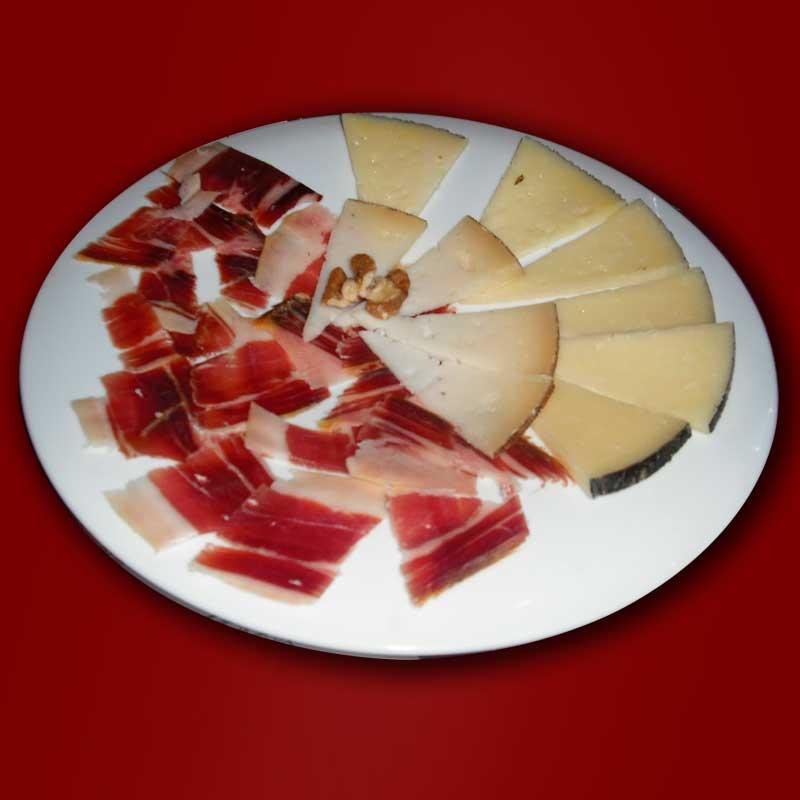 plato de jamón y queso